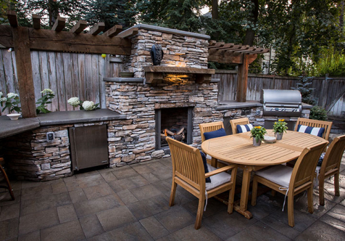 Intimate Outdoor Dining